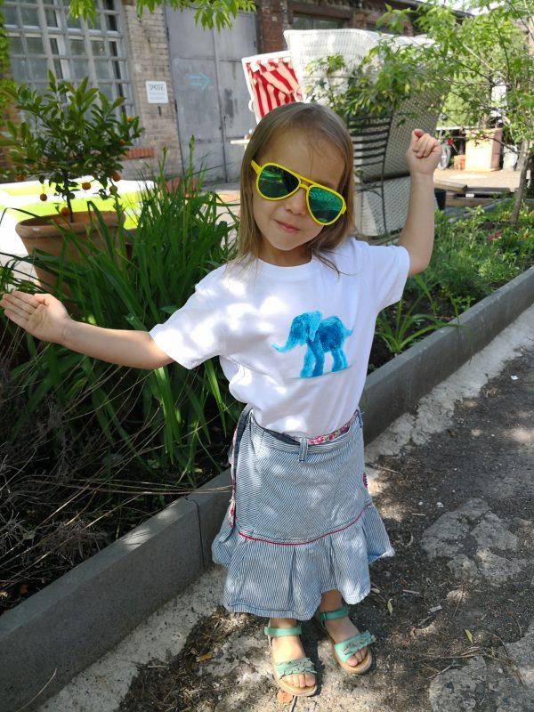Kinder-T-Shirt: Tamu der kleine blaue Elefant