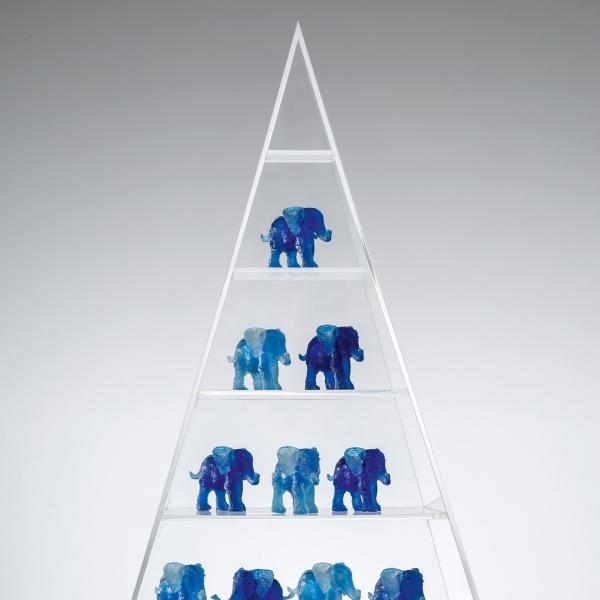 Tamu in der Pyramide, Acryl und Kunstharz, 2016
